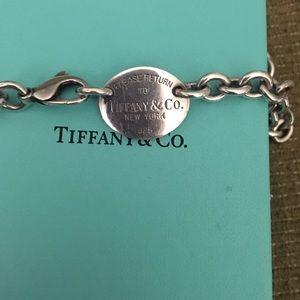 Tiffany necklace 😇
